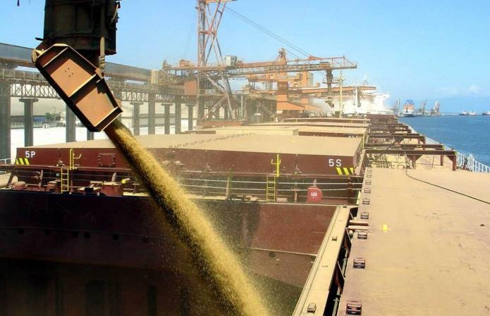 Минэкономики не видит причин для пересмотра экспортных квот на зерно