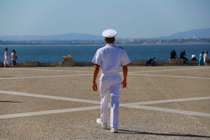 13 стран договорились принять меры по смене экипажей