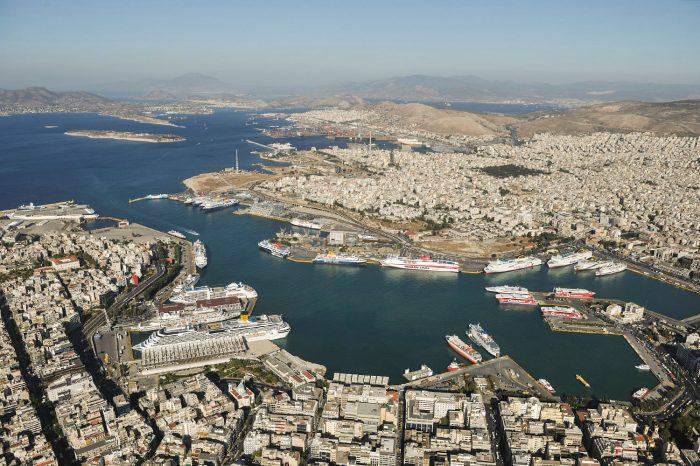 Взрыв бомбы повредил офисы греческого оператора судов