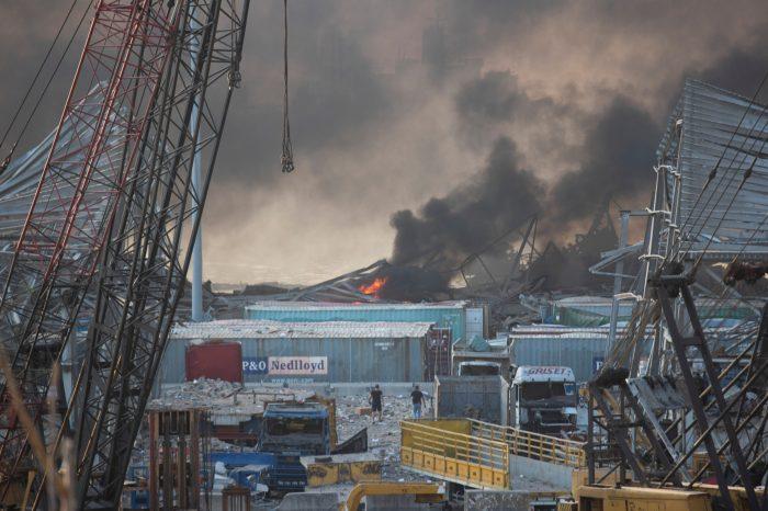 В ливанском порту Бейрута произошел мощный взрыв