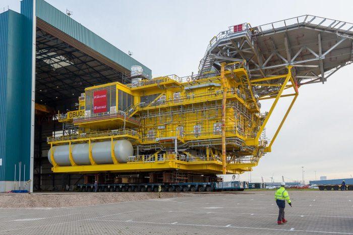 В Великобритании установили первую морскую подстанцию Moray East