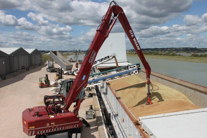 В портах Украины резко выросли цены на пшеницу