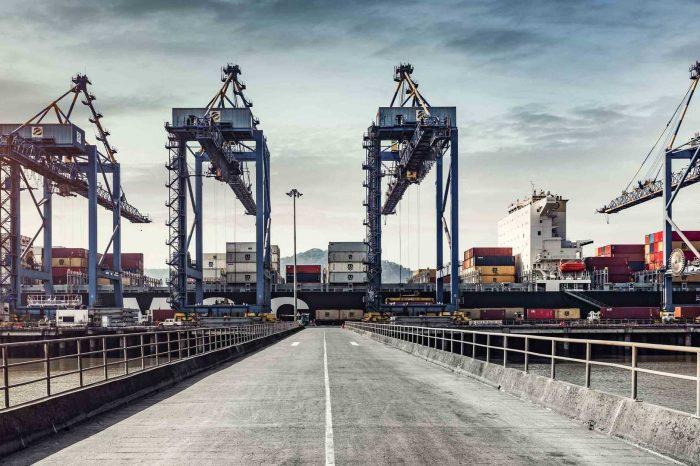 Кризис из-за COVID-19 отразился на работе портов с ограниченной длиной причалов и осадкой