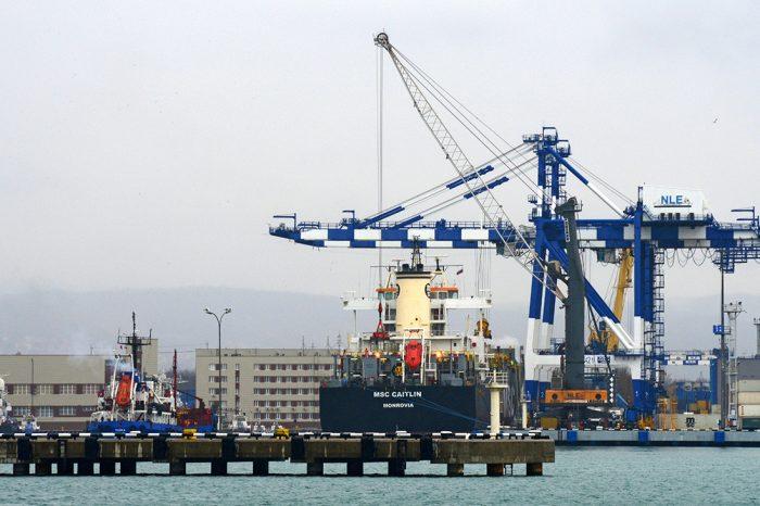 Калифорния расширяет правила выбросов для судов в порту