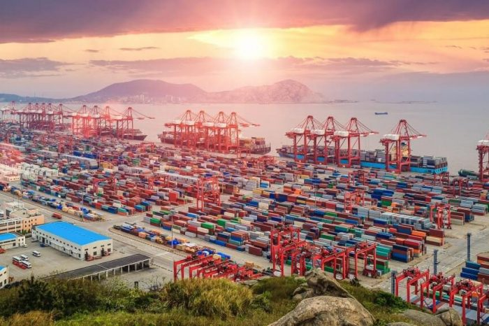 Китай ужесточает меры контроля для международных торговых судов