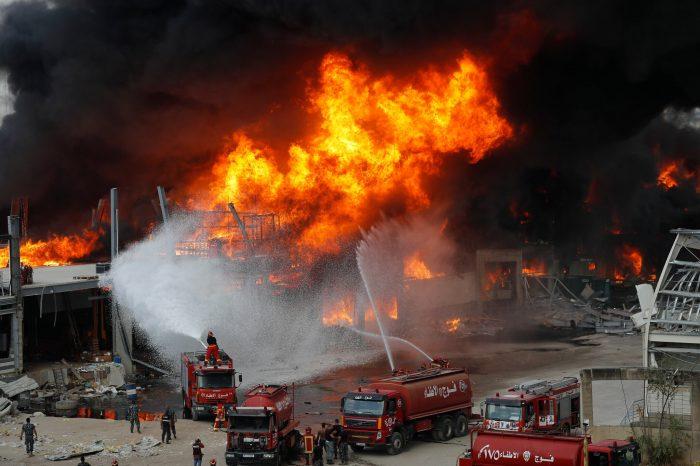 В порту Бейрута опять пожар