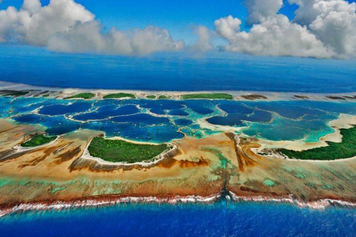 Китай расширяет стратегию строительства островов до середины Тихого океана