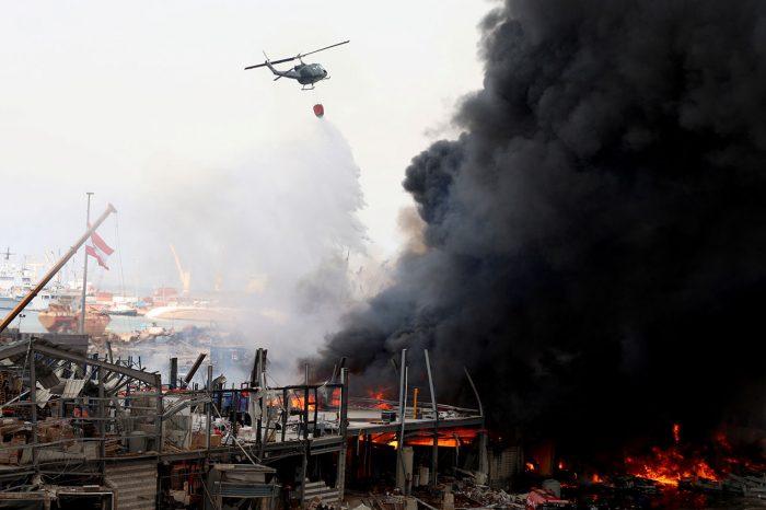 Пожар в Бейруте охватил склад гуманитарной помощи