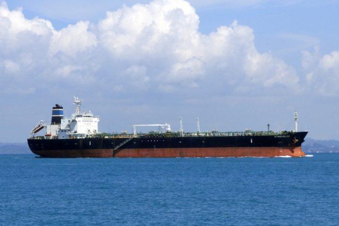 В Малаккском проливе земснаряд врезался в танкер (ВИДЕО)