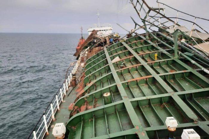 """Последствия взрыва на танкере """"Генерал Ази Асланов"""" (ФОТО)"""