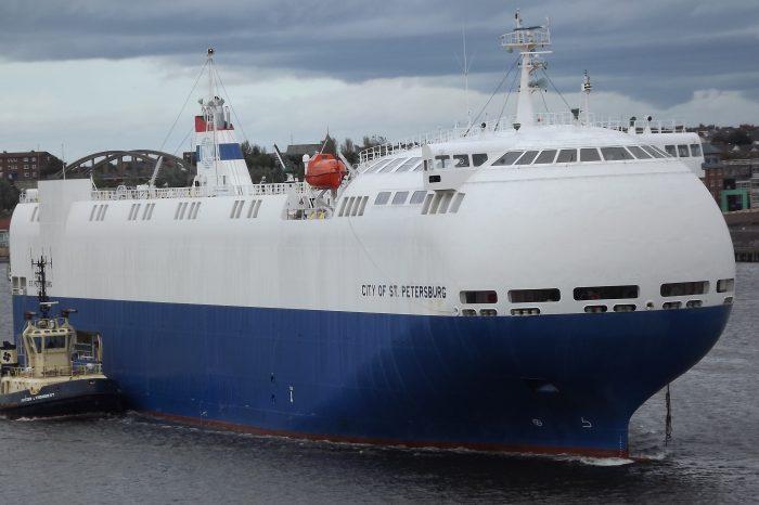 ТОП-10 самых необычных кораблей современности