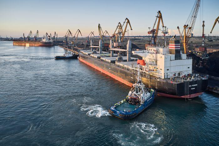 Портофлот порта «Южный» уже перевыполнил годовой финансовый план на 51%
