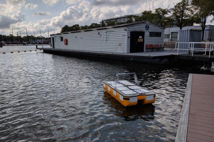 В Амстердаме тестируют «роболодку» для перевозки грузов