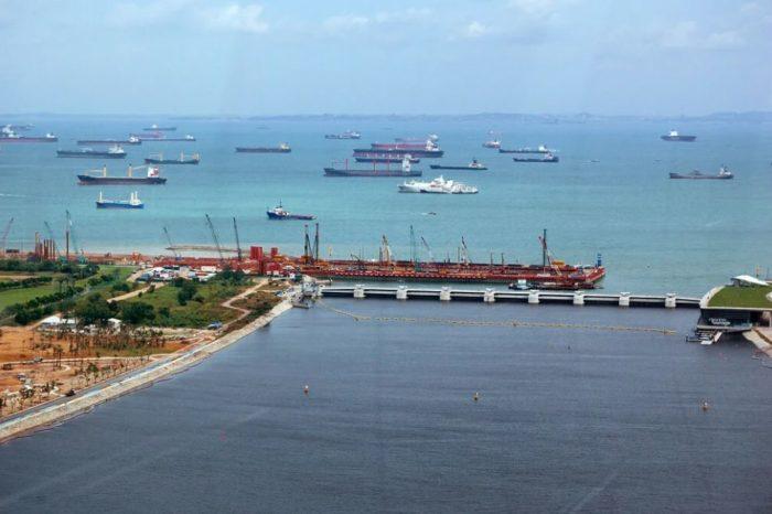 В Сингапурском проливе - три пиратских атаки за сутки