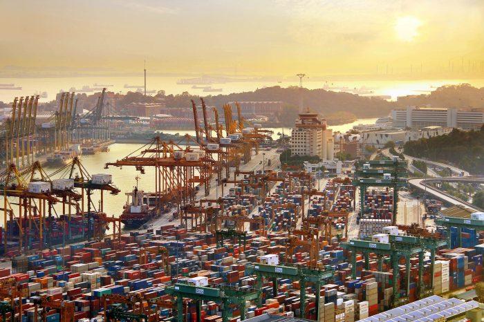 Сингапур упрощает смену экипажей