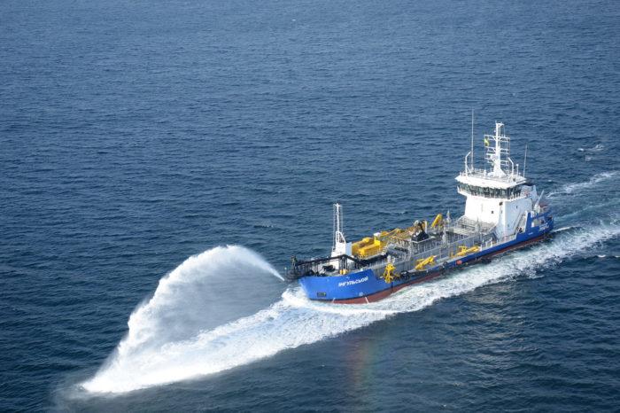 АМПУ установили новый рекорд по дноуглублению своим флотом