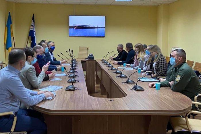 Европейские эксперты изучают порт Пивденный