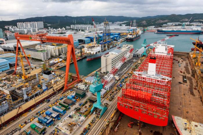 Объем заказов на строительство новых судов сократился на 41%