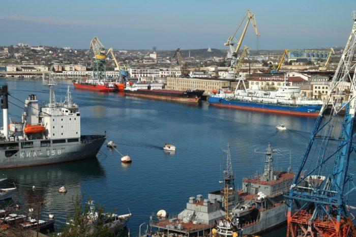 Очередное судно лишили флага из-за захода в Крым