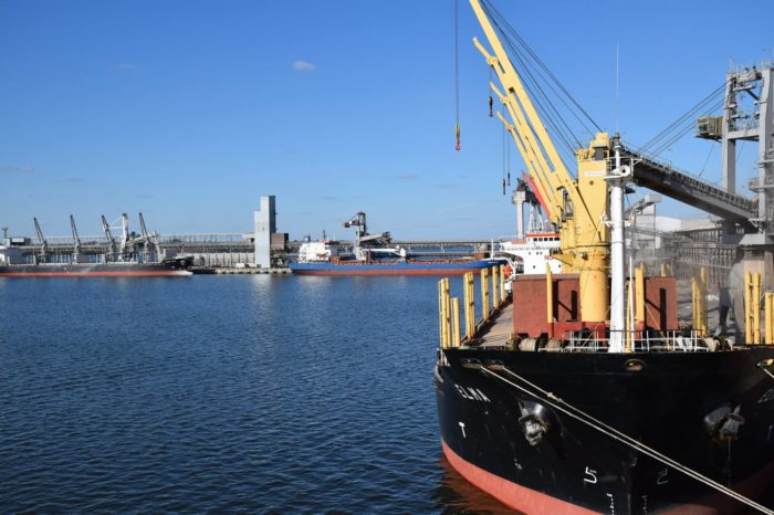 Экспортеры и импортеры заявили об уменьшении препятствий во внешнеэкономической деятельности
