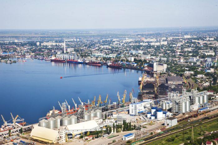 Николаевский МТП стал лидером по перевалке масла и зерновых