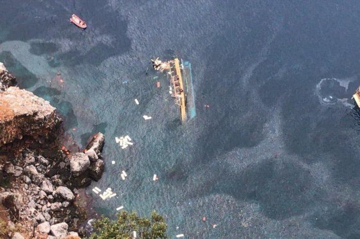 В турецкой Анталье перевернулся катер с пассажирами (ФОТО, ВИДЕО)