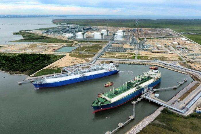 Польша зафрахтовала на 10 лет два газовоза для импорта СПГ