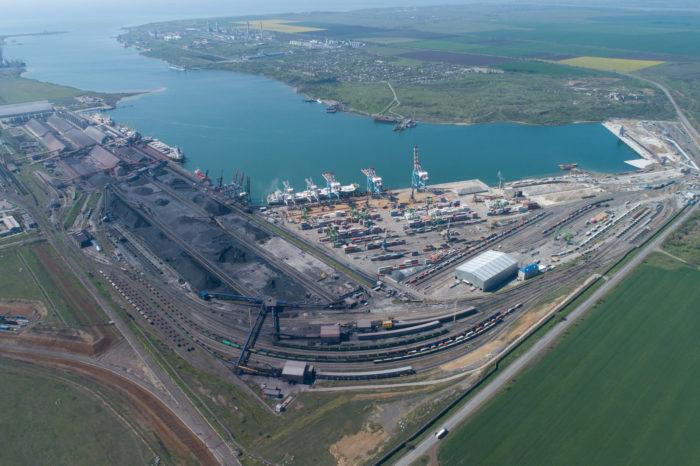 """ГП """"МТП """"Южный"""" и ТИС обеспечили 75% грузооборота в порту Пивденном за январь-октябрь"""