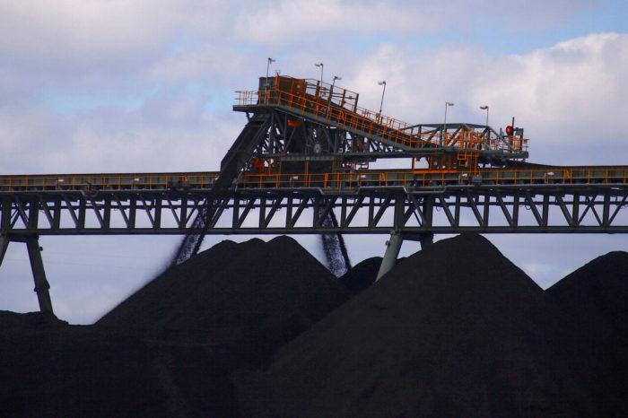 Полсотни судов с австралийским углем застряли у берегов Китая