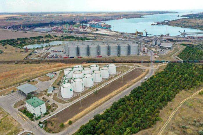 """Налоговая выявила масло сомнительного происхождения на терминале """"Рисоил-Юг"""""""