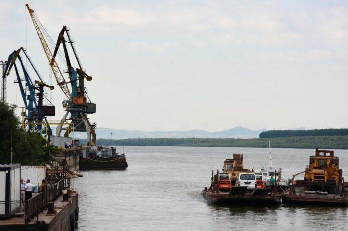 АМПУ без тендера заключили контракт на доставку лоцманов