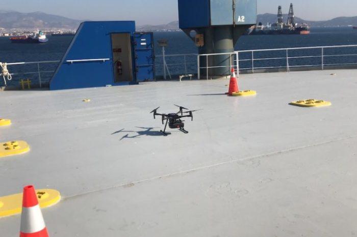 Беспилотник впервые передал экспресс-тесты на COVID-19 на судно