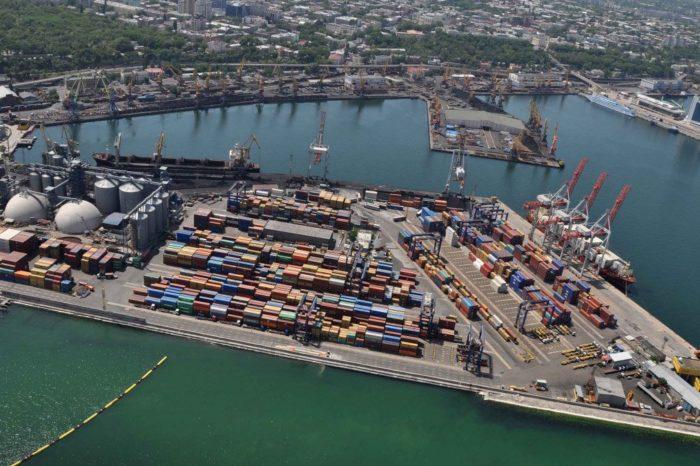 Продолжается реконструкция причала №7 в Одесском порту