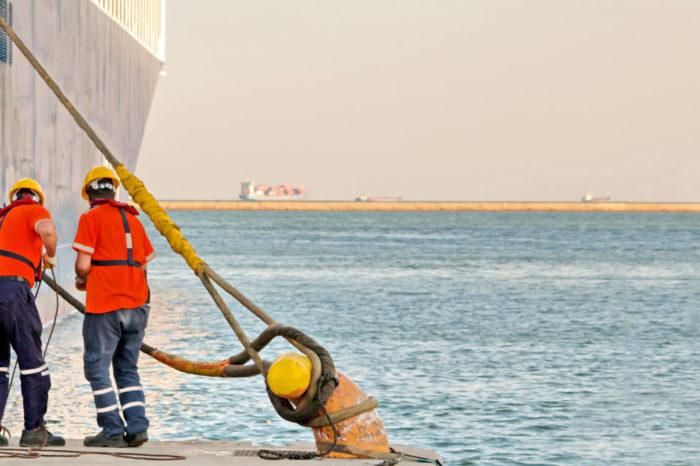 Профсоюз работников морского транспорта просит у КМУ дополнительной поддержки для моряков