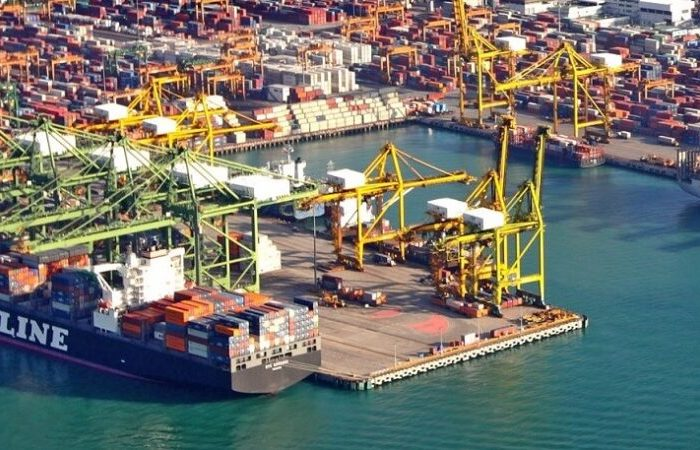 Сингапур продлевает для судоходной отрасли пакет помощи на время пандемии