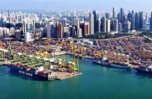 Сингапур запрещает въезд экипажам, посещавшим Великобританию