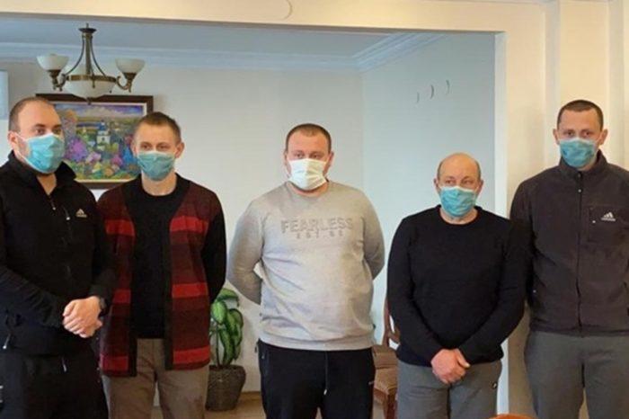 Спасенные с «Arvin» моряки вернулись из Турции в Украину