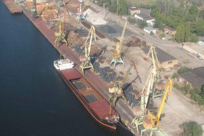 В Николаевском речном порту из-за наезда погрузчика погибла женщина