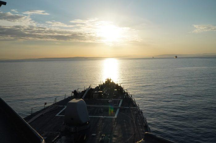 К Черному морю направляется американский эсминец