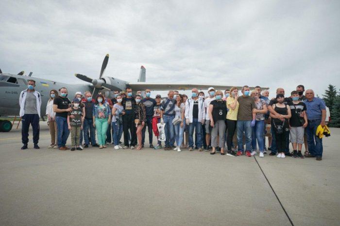 Освобожденные украинские моряки с судна Captain Khayyam вернулись домой и наконец-то увидели родных после пяти лет удержания в Ливии