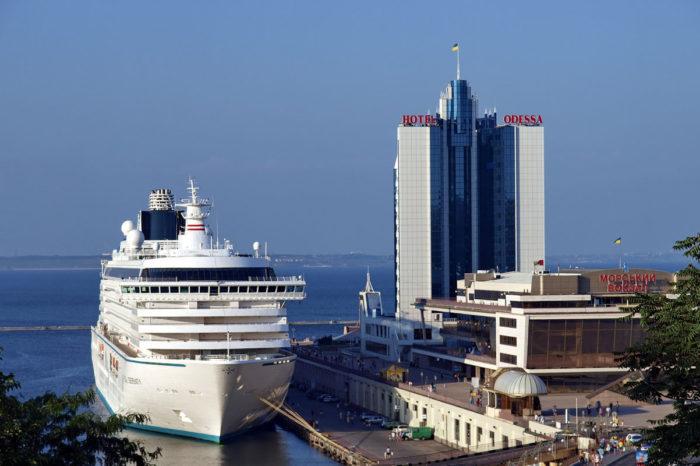 Одесский порт получил от круизных компаний 22 заявки на судозаходы
