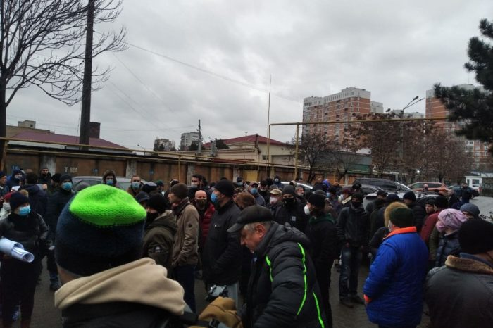 Украинские моряки вышли на акцию протеста (ФОТО)
