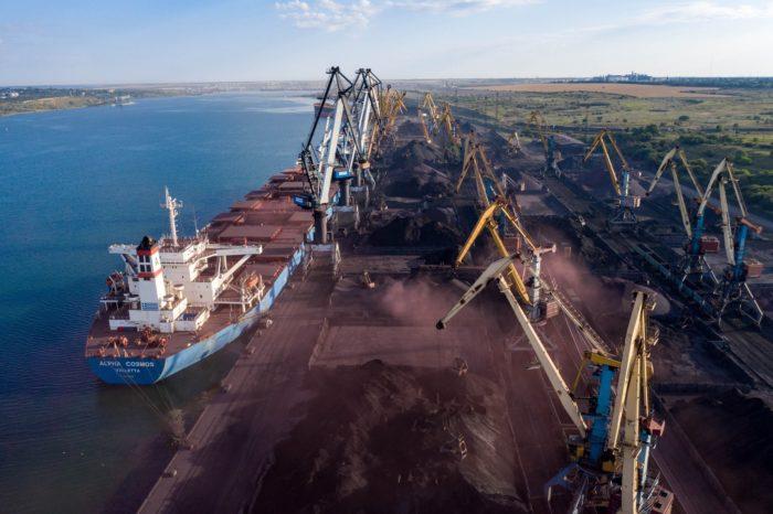 В январе пять украинских портов суммарно перевалили почти 10 млн тонн грузов