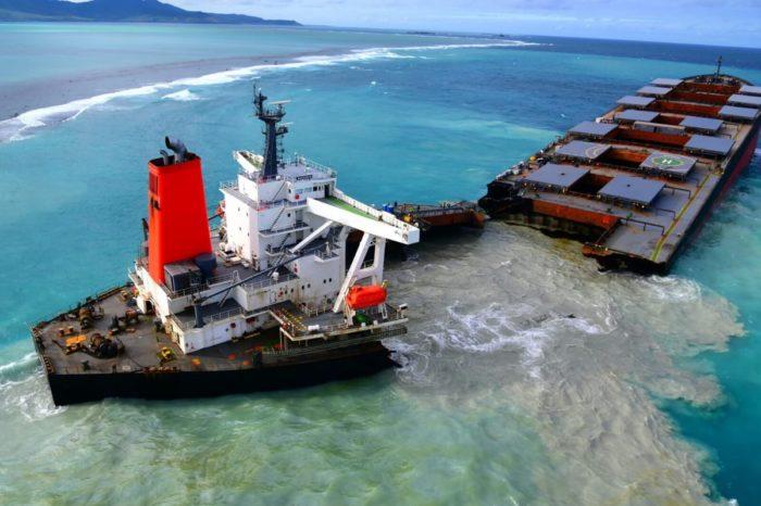 Продолжается дело о катастрофическом разливе топлива с судна Wakashio