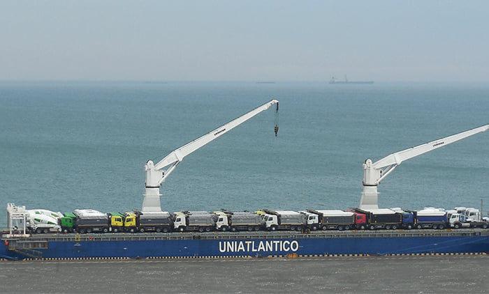 В Одесский порт из Шанхая прибыл сухогруз Unistream с автомобильной техникой