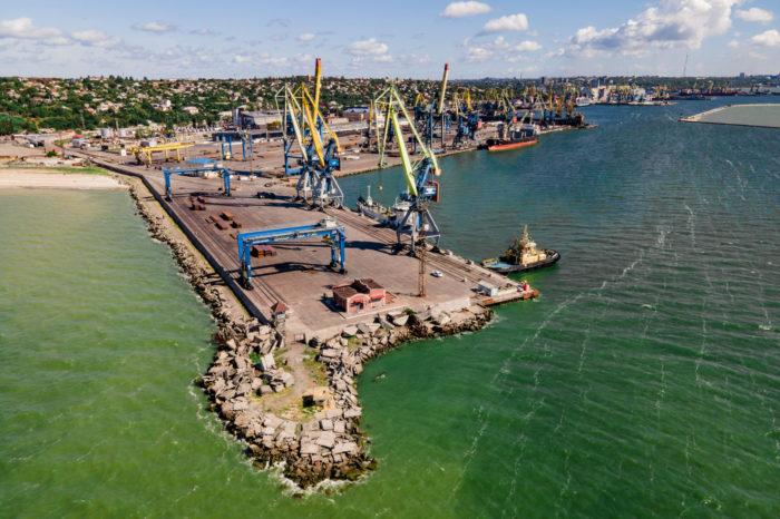 За январь Мариупольский порт перевалил более полумиллиона тонн грузов