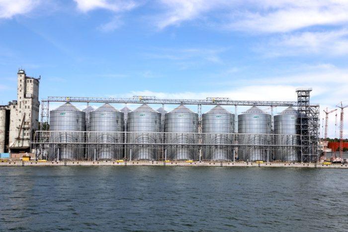 В Мариупольском порту заканчивается строительство зернового терминала (ФОТО)