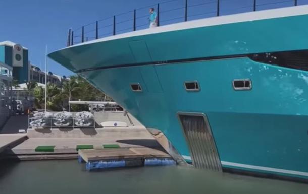 Видео: на Карибских островах яхта врезалась в причал