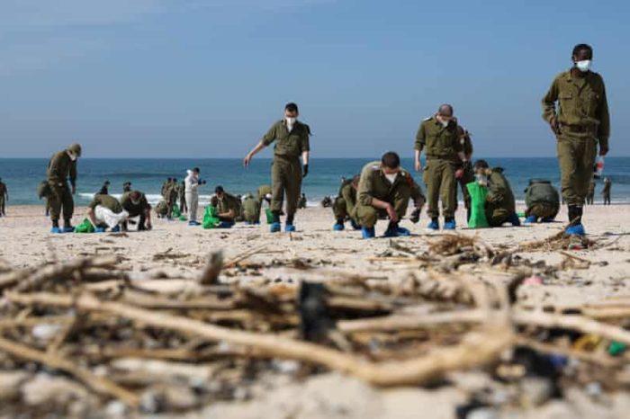 Экологическая катастрофа в Израиле: разлив нефтепродуктов дошел до берегов Ливана