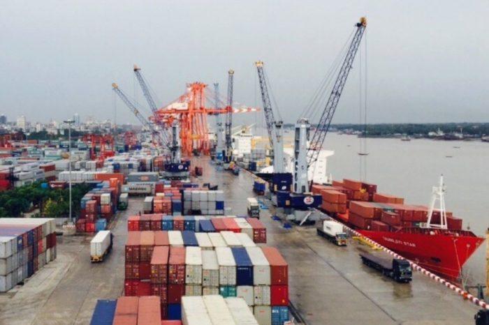 Из-за протестов в Мьянме затруднена работа портов
